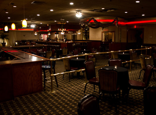 nikkos-lounge